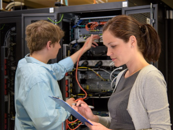 5 reasons MSPs should work with infrastructure management experts