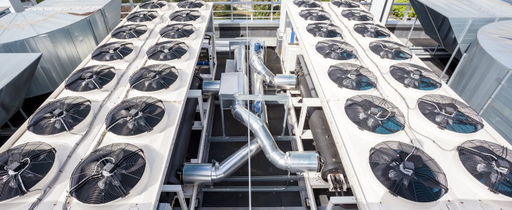 Large data centre cooling system